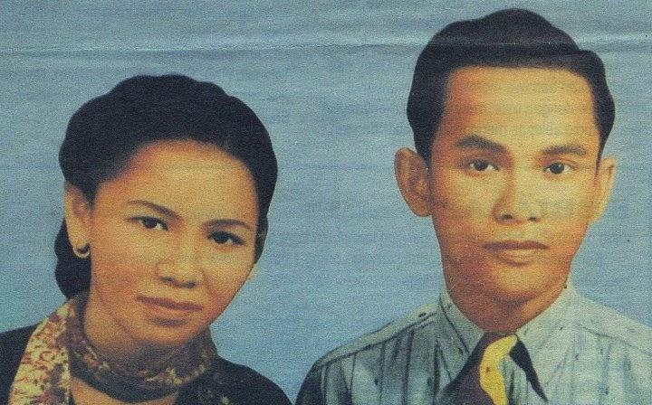 Gambar kenangan Arwah Ayah dan Ibu Sudirman