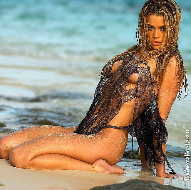 Denise Richards Nude F