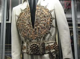 Paralelismos entre Elvis Michael Elvis+the+final+curtain2