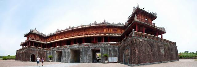 Noon Gate (Ngo Mon)