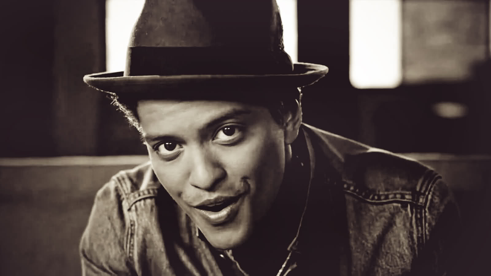 bruno mars on planet mars - photo #23