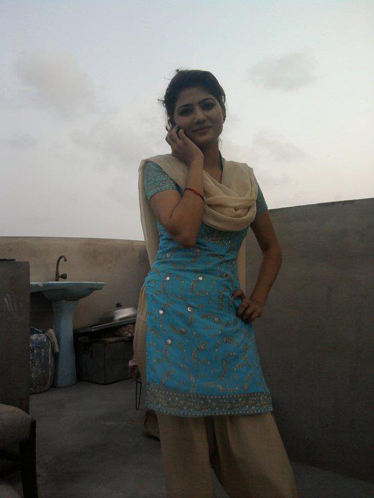 Bhai Ne Bhan Ko Nahte Hua Dekha Video - blogsobcom