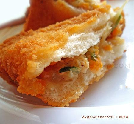 Roti Goreng Isi Ragout Ayam