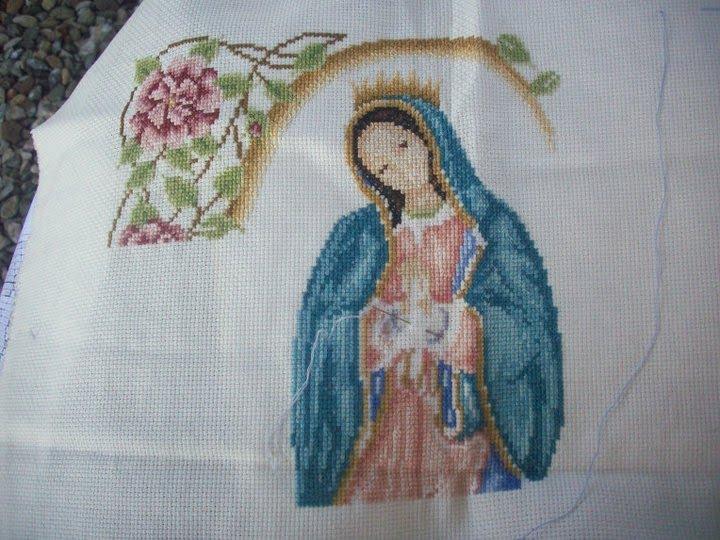 Bordado Virgen de Guadalupe en punto cruz esquema - Imagui