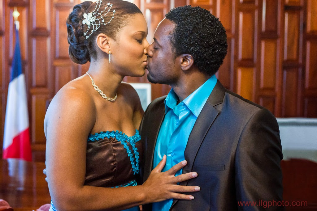 Mariage de Steffy et Manuel: bisou des mariés