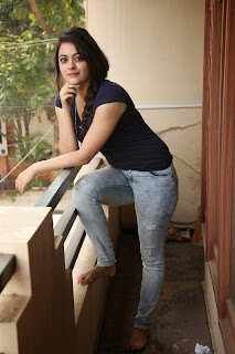 Actress Shruti Sodhi  Stills in Jeans at Pataas Movie Press Meet  33.JPG