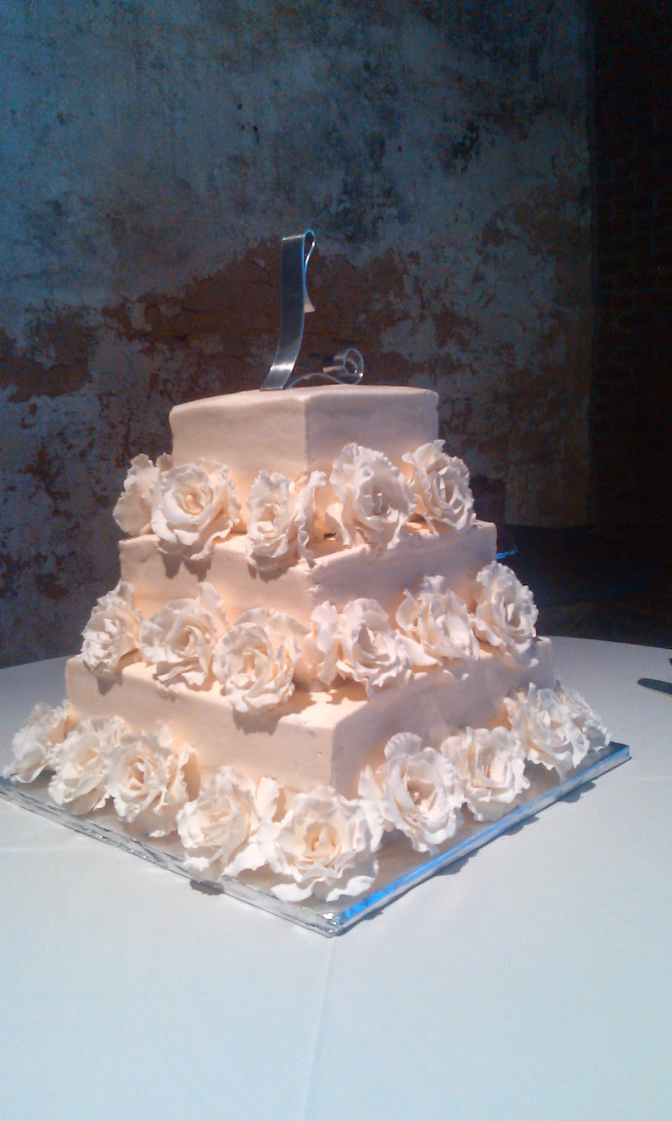 Cake Art Lawrenceville Hwy : CAFE AROMAS: Square Wedding Cake with Gum paste Roses