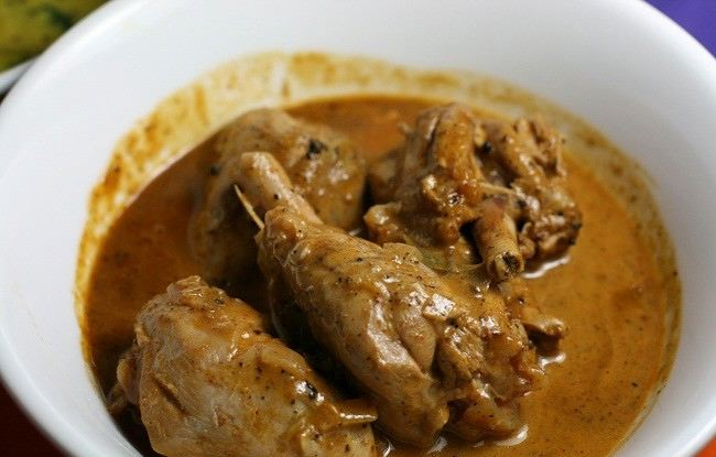 ... stories...: Who is up for Sri Lankan chicken curry + roti(Godamba