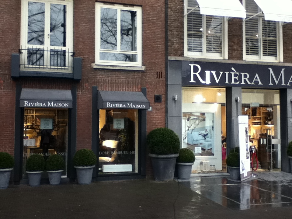 Somethings and more opening flagship store riviera for Riviera maison shop