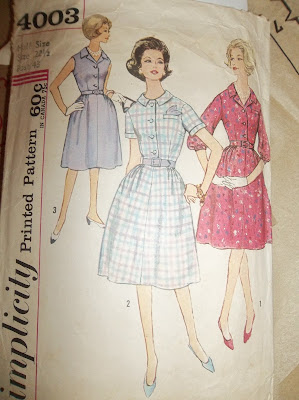 Vintage Simplicity 4003 dress pattern Plus Size sewplus.blogspot.com