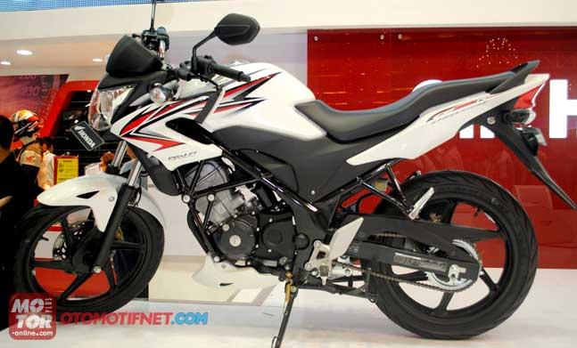 Persamaan New Yamaha V-Ixon Lightning Vs Honda CB150R StreetFire