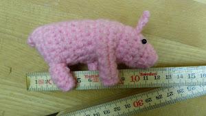 Schwein gehäkelt