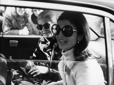 Fashion - Jackie O and Friend