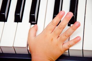 slash chords: consonant to dissonant