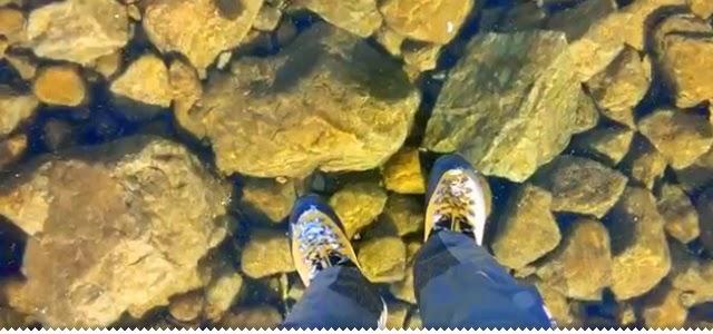 Hipernovas: Você Jamais Imaginaria Que Um Lago Congelado Pudesse Ser Tão Transparente (Vídeo)