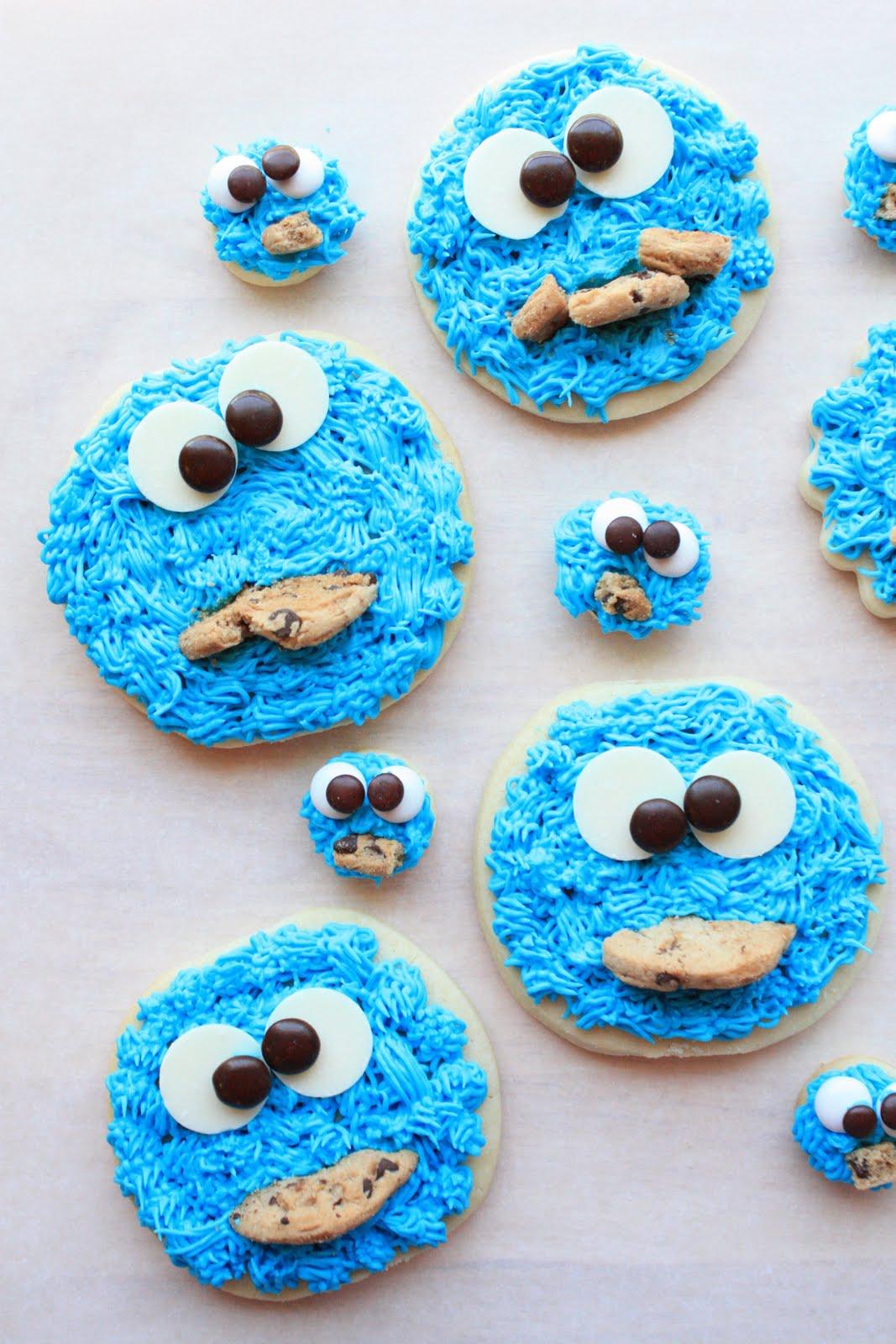 COOKIES,ICE CREAM,CAKE,AND LIL' DEBBIES :D edit: TWINKIES TO Cookie%20Monster%20Cookies%20014