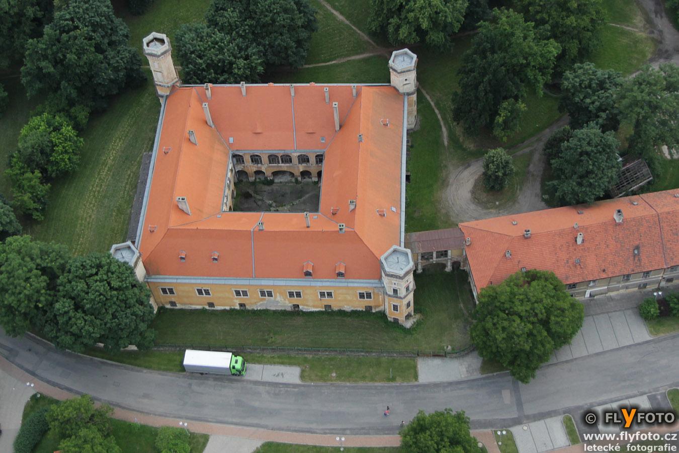 zámek Dolní Beřkovice