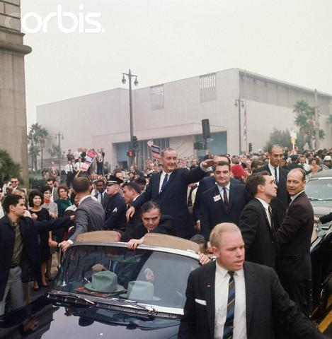 LBJ motorcade 1964