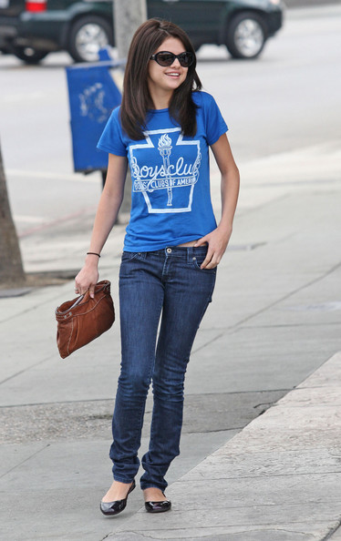 selena gomez style fashion. Selena Gomez Wearing Shirt