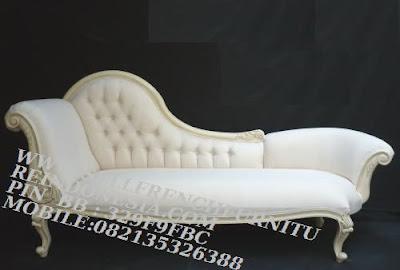 Mebel classic jepara,Mebel duco jepara Mebel jepara sofa classic cat duco putih french style SFTM-55233 Jual Mebel jepara|Mebel klasik|Mebel duco putih|Mebel ukir Jepara|sofa classic cat duco putih