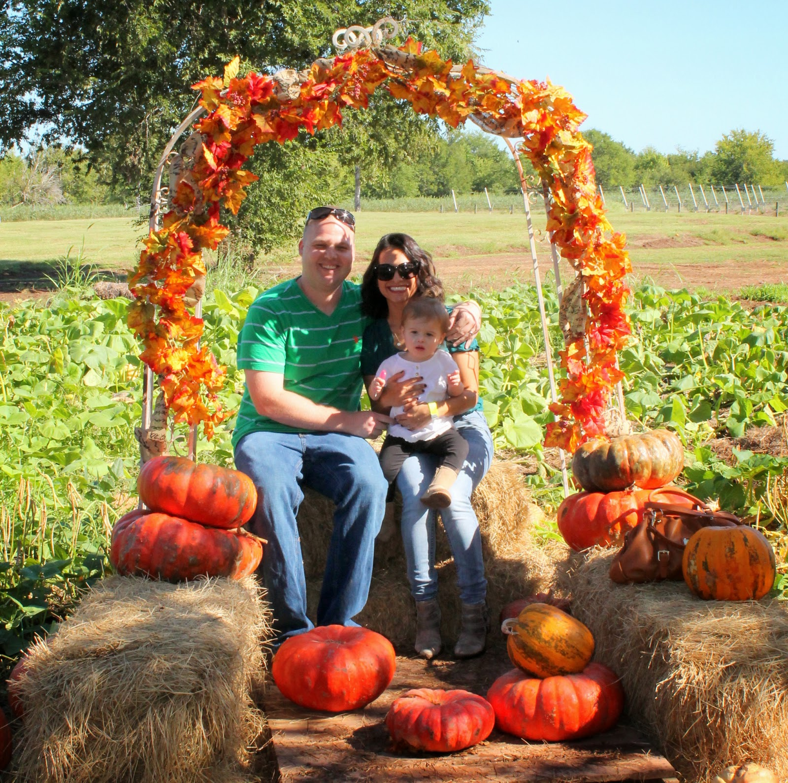 Pumpkin patch family photo | Bubbles and Gold (www.bubblesandgold.com)