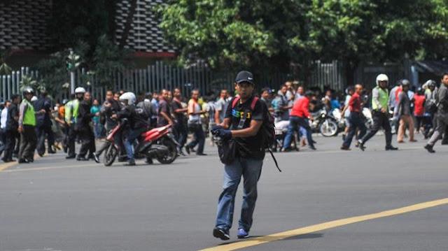 Foto Terbaru Bom Sarinah Jakarta (No Sensor)