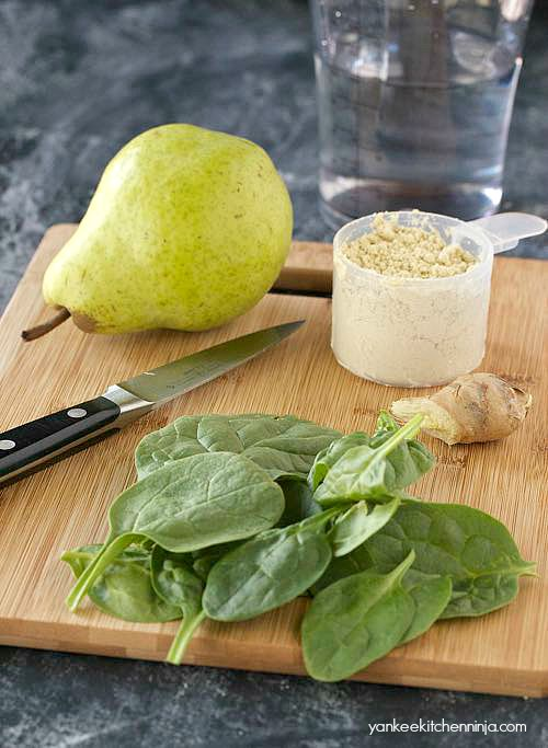 easy and healthy ginger pear green smoothie
