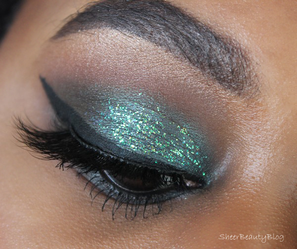 picture of eye makeup using urban decay and marc jacobs beauty products