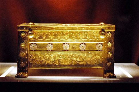 Απορρίπτει το ΥΠΠΟ τη μελέτη για τον τάφο του Φιλίππου Β' στις Αιγές