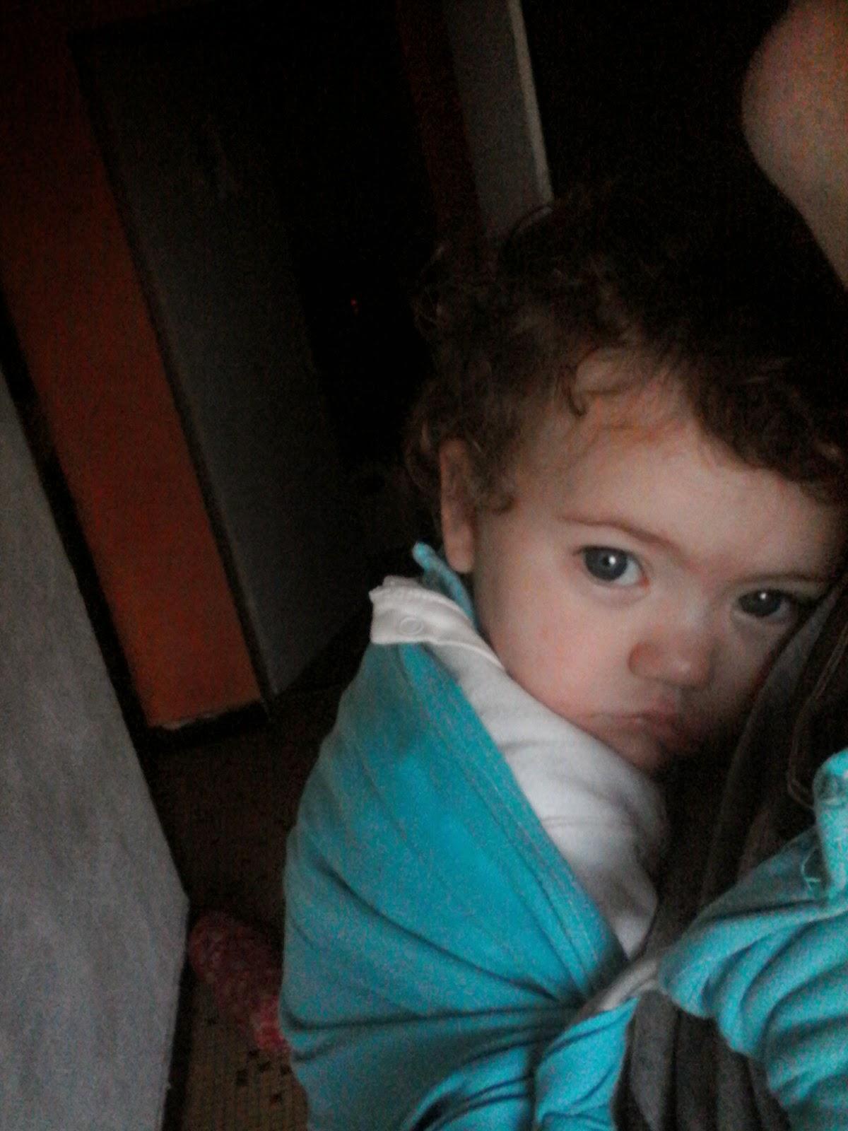 portage bébé BB RGO reflux babywearing malade sling colimaçon