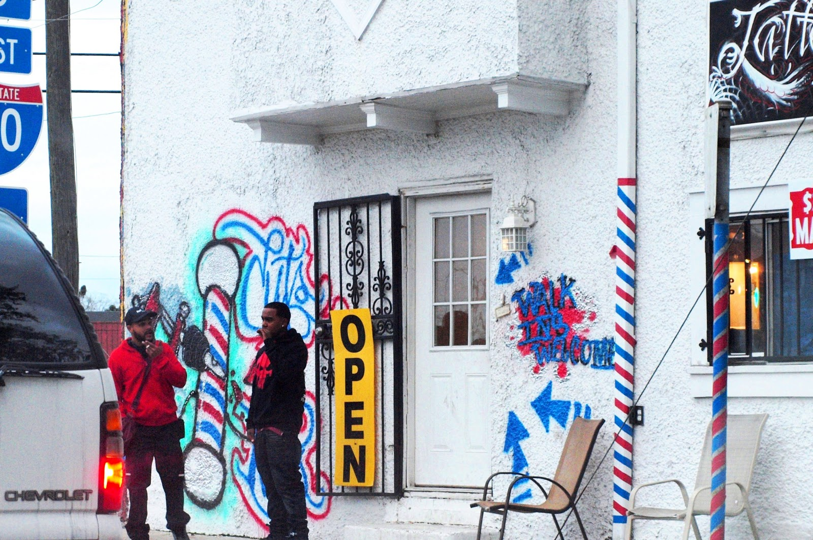 angels and people, life in New Orleans: barber shop