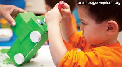 plano de aula para educação infantil sobre reciclagem e empapelamento