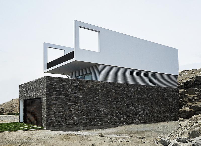 Residencia minimalista en la costa peruana por javier artadi - La casa de las palmeras ...