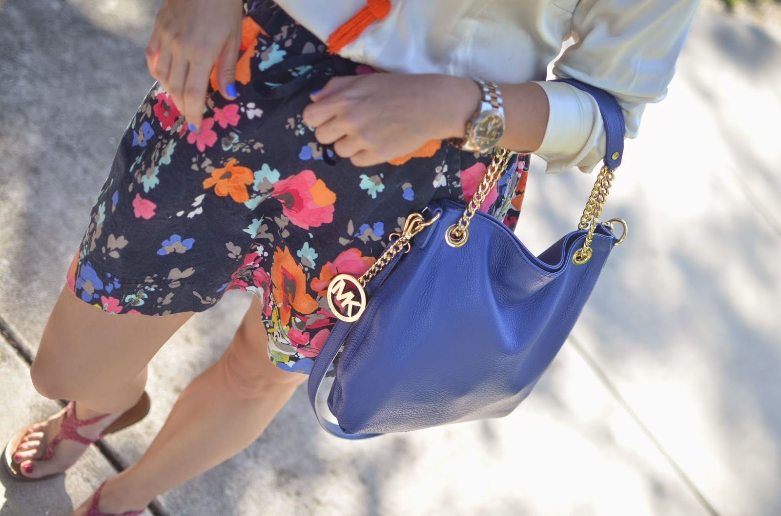 Floral skirt - silk top - tassel necklace - blue bag - pink sandals