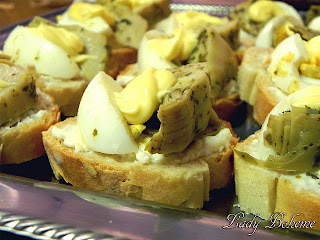 hiperica_lady_boheme_blog_cucina_ricette_gustose_facili_e_veloci_crostini_con_uova_sode_e_carciofini