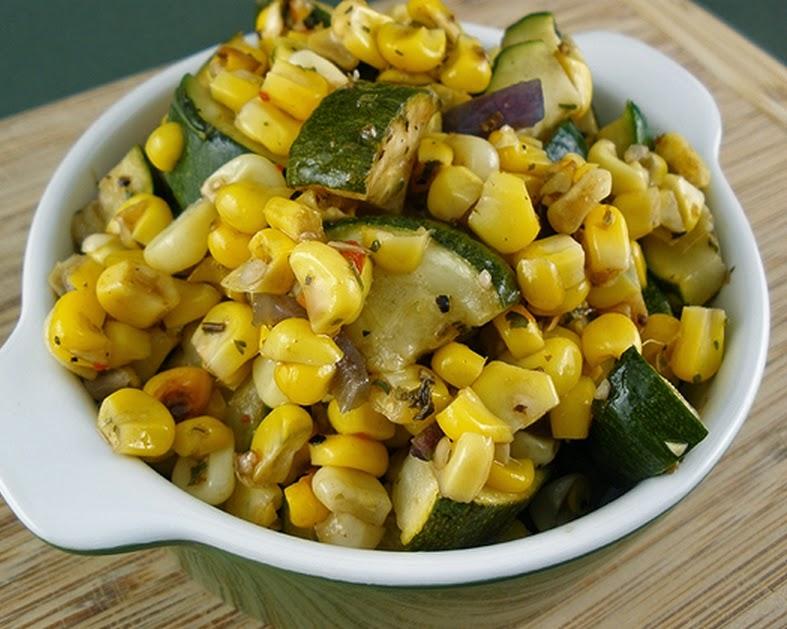 Salada de Milho e Abobrinha Assados (vegana)