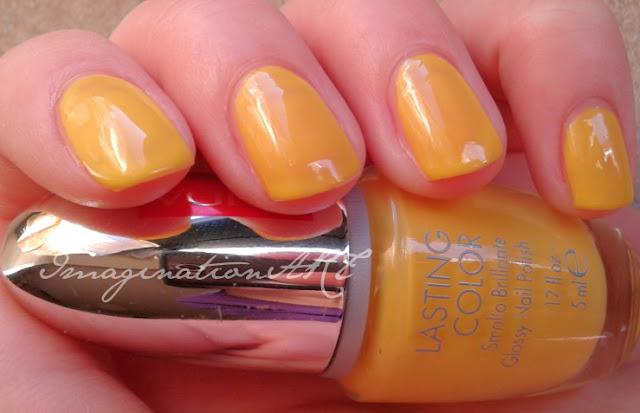 pupa 512 glossy nail polish smalto glossato giallo yellow collezione afro chic swatch lacquer