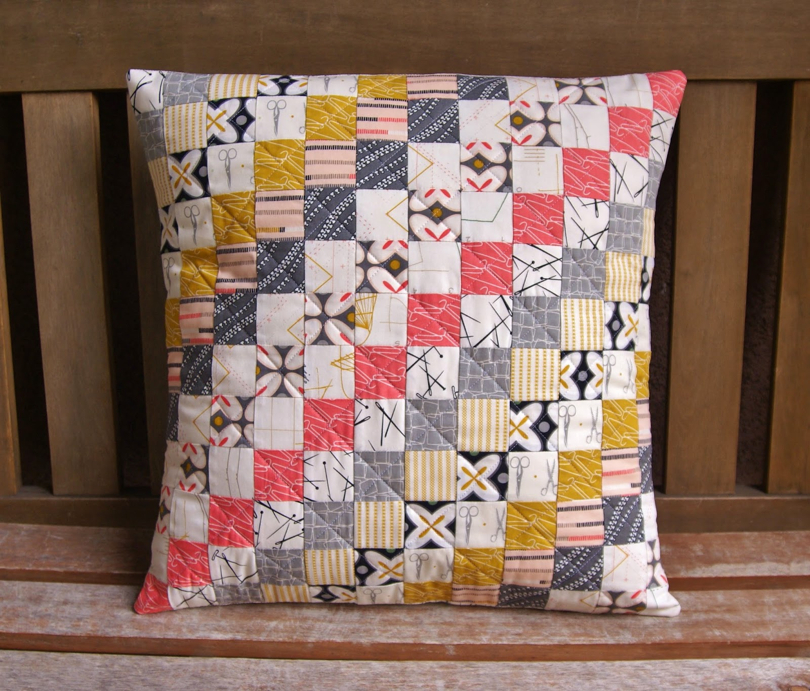 Sew Decorative Pillow Fabric : Fabric Mutt: Maker Pillow