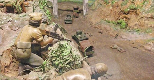Diorama di Museum Satria Mandala yang menggambarkan situasi saat terjadinya Peristiwa Bojongkokosan. Para pejuang dan laskar rakyat berhasil melumpuhkan tank-tank dan menghancurkan truk-truk yang membawa pasukan musuh.