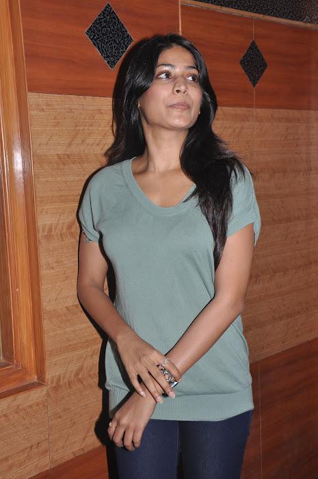 vijayalakshmi @ vana yuddham press meet actress pics