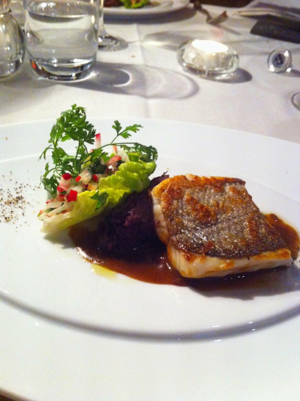 Pierre Weller Hat Viele Inspirationen Aus Seiner Zeit An Der Côte Du0027Azur In  Seine Küche übernommen. So Legt Er Viel Wert Auf Frische Produkte,  Olivenöl, ...