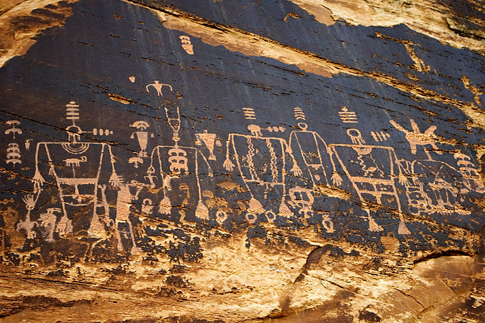 anazazi indians essay These ancient puebloan people are the predecessors of today's pueblo and  hopi indians, and they are often referred to as anasazi, a navajo word meaning.