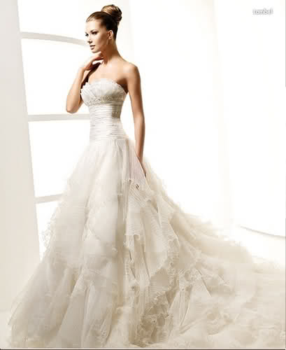 Funky wedding dresses 2011 for Coco chanel wedding dress