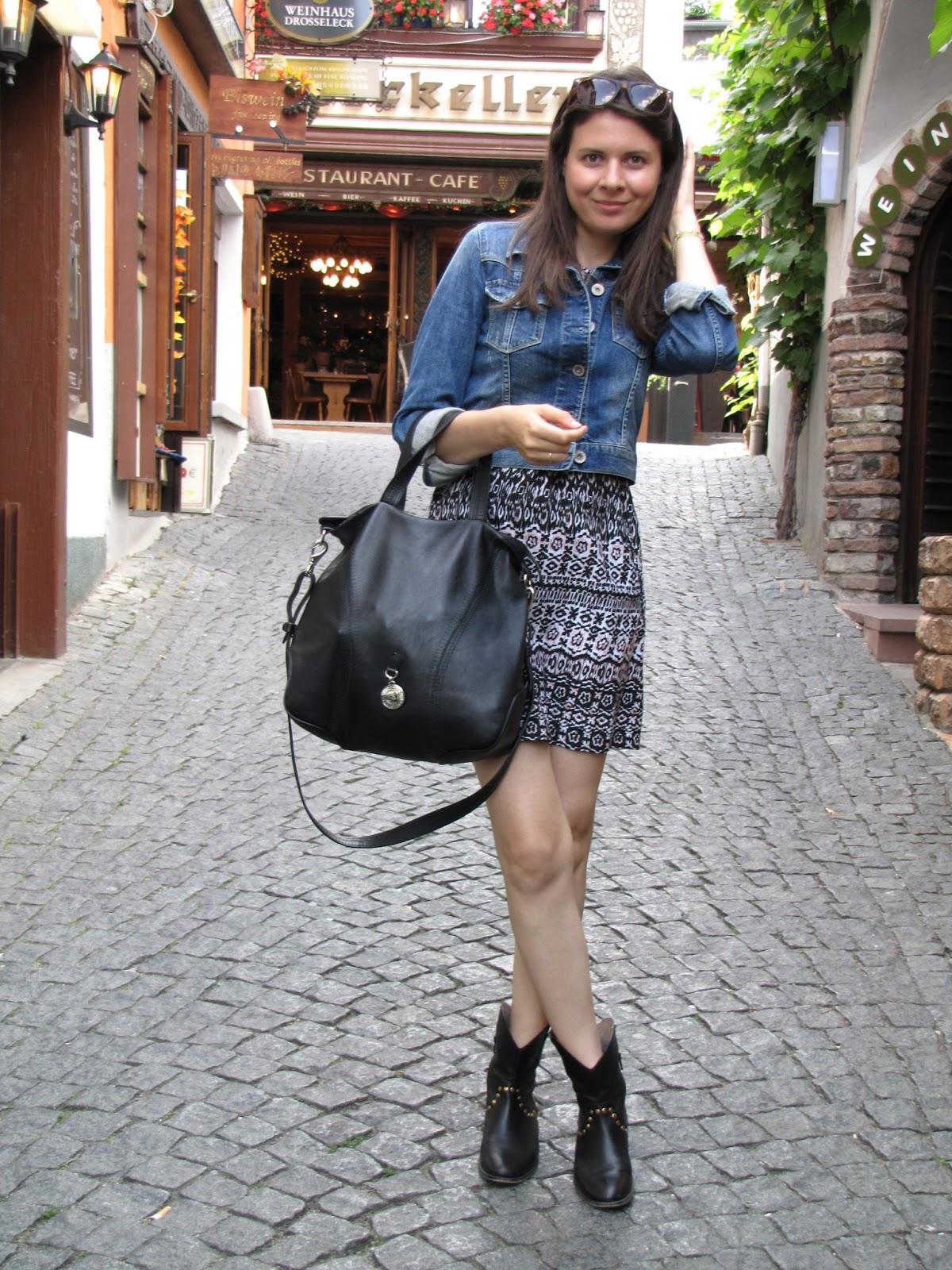 pattern dress VILA, jeans jacket Hallhuber
