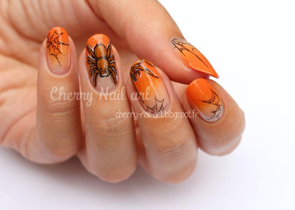 nail art halloween dégradé araignée et toile