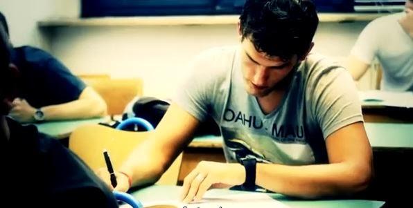 ساعة ذكية للغش في الامتحانات تباع رسمياً على الإنترنت
