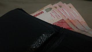 Hukum Memberi Uang Peminta Sumbangan