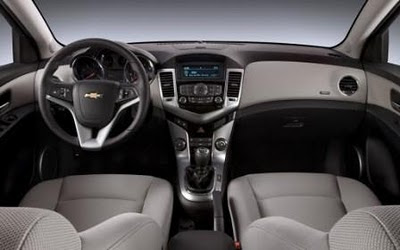 Two-tone interior of 2012 Chevrolet Cruze ECO