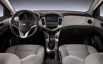 Two-tone interior of 2012 Chevrolet Cruze ECO