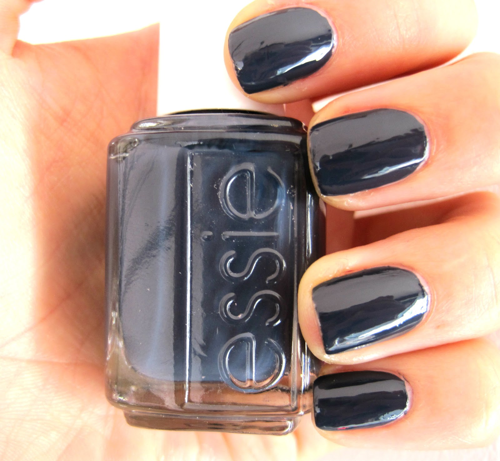 the treasure chest monday blues essie bobbing for baubles. Black Bedroom Furniture Sets. Home Design Ideas